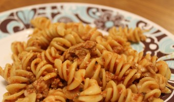 Cheesy Ground Turkey Pasta – 5 Ingredients or Less